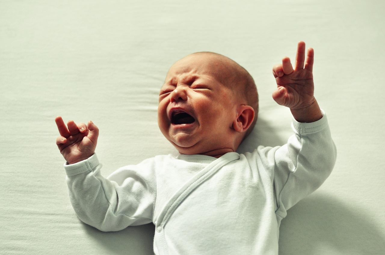 Comment calmer bébé en cas de crise de pleur ?